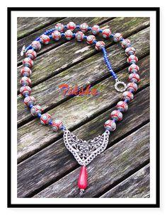 Rode, blauwe en zilveren ketting, rode agaat ketting, zilveren hangertje, zilver vergulde hanger, rood en zilver Bead ketting, blauw en rood ketting