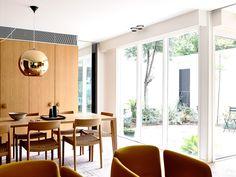 Los dueños querían que el espacio central de la vivienda fuera el patio. | Galería de fotos 2 de 13 | AD MX