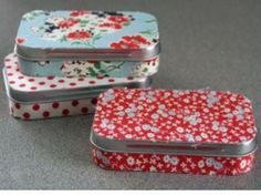 fabric covered Altoids tins - Really need to do this with all the TJoe tins I've saved!