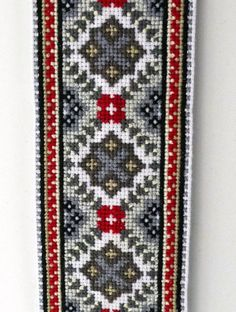 Cross Stitch Pillow, Cross Stitch Borders, Cross Stitch Rose, Cross Stitch Flowers, Cross Stitch Designs, Cross Stitching, Cross Stitch Patterns, Beaded Embroidery, Cross Stitch Embroidery