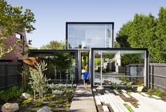 """Gorgeous solar-powered THAT House is an eco-friendly rebel """"with just enough space"""""""