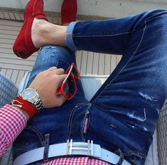 I love the loafers and those ripped jeans. And how can you go wrong with a button down