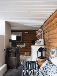 pieni mökkikeittiö Cottage Style, Corner Desk, Ikea, House, Furniture, Summer, Home Decor, Chalet Style, Corner Table