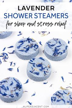 Aromatherapy DIY Shower Steamers with Essential Oils DIY Shower Steamers for Sleep. These lavender shower steamers are a must-have for sleepy time and stress relief! Pop one into your shower for a bit of. Homemade Beauty, Diy Beauty, Beauty Tips, Beauty Care, Diy Cosmetic, Pine Essential Oil, Diy Candles Essential Oils, Essential Ouls, Stress Relief Essential Oils
