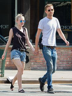 Star Tracks: Monday, August 31, 2015 | DOWNTOWN GIRL | Happy couple Dakota Fanning and model Jamie Strachan take an early Sunday morning walk around the SoHo neighborhood of New York City.