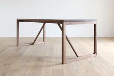 Biscotte Dining Table | Hirashima
