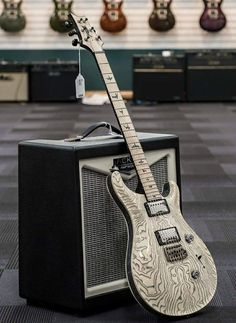 Normally i don't go for PRS but this one can come to my place anytime!!
