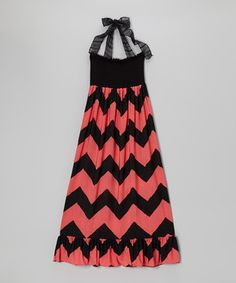 From its snug and stretchy bodice to the beautifully billowing skirt, this maxi dress radiates a relaxed sense of style. Adjustable halter straps offer a perfect fit, and lively prints lend a pop of pizzazz to the look.