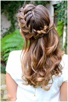 Hair inspiration, fun for a beach day with friends! Bohemian Hairstyles, Pretty Hairstyles, Braided Hairstyles, Wedding Hairstyles, Wedding Hair And Makeup, Bridal Hair, Hair Makeup, Bridal Beauty, Beautiful Long Hair