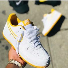 1234567890 Nike air force shoes street- Source by heelstplahndr air force personalizado Sneakers Mode, Sneakers Fashion, Shoes Sneakers, Shoes Uk, Buy Shoes, Platform Sneakers, Adidas Shoes, Nike Shoes Air Force, Sneaker Outfits
