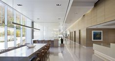 EwingCole was tasked with renovating an outdated space into a premier healthcare facility at Memorial Sloan Kettering Cancer Center Westchester in West Harrison, New York. Exterior Shades, Personalized Medicine, Building Information Modeling, Clinic Design, Ceiling Height, Design Competitions, Interiores Design, Health Care, Arquitetura