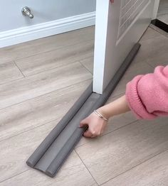 Door Draft Stopper Have you met this kind of problem? air condition can't keep your room cold or Door Draught Stopper, Draft Stopper, Diy Door Stopper, Rideaux Design, Door Draft, Door Seals, Diy Home Repair, Home Room Design, Home Gadgets