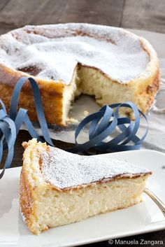 Cake Recipes Migliaccio - Similar to cheesecake, a traditional semolina and ricotta cake made in Naples, Italy for Carnevale. No Bake Desserts, Just Desserts, Delicious Desserts, Dessert Recipes, Yummy Food, Gourmet Desserts, Plated Desserts, Cake Cookies, Cupcake Cakes