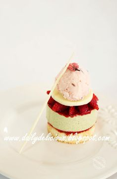 dailydelicious: Sakura, Matcha and Strawberry plated dessert