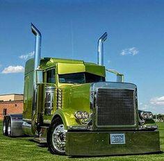 Peterbilt custom 379 - We rent used trailers in any condition. Contact USTrailer and let us lease your trailer. Click to http://USTrailer.com or Call 816-795-8484