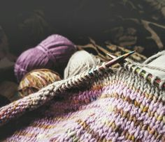 In a Perfect World. Diy 2018, Flower Yellow, Heather Hills, Scottish Cottages, Knitting Blogs, Lana, Needlework, Knit Crochet, Colors
