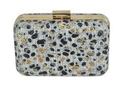 a40944d60 Bolsa de mão pequena cinza, preta e dourada, confeccionada em tecido de  juta ou