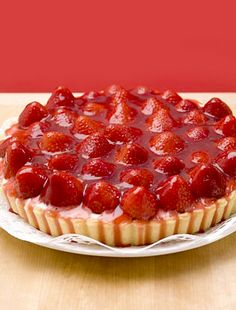 Learn how to prepare this easy Strawberry Glaze recipe like a pro. With a total time of only 15 minutes, you'll have a delicious dessert ready before you know it. Easy Strawberry Glaze Recipe, Strawberry Tart, Strawberry Recipes, Just Desserts, Delicious Desserts, Yummy Food, Coffee Cake, Sweet Tooth, Muffin