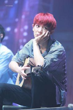 EXO nhá hàng MV mới trong concert khiến fan sướng hú hí - Ảnh 4.