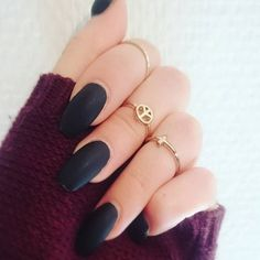 Pin for Later: 30 Manicure Ideas That Will Make You Mad For Matte Sexy Nails, Fun Nails, Gorgeous Nails, Pretty Nails, Popsugar, Nail Art Designs, Finger, Matte Black Nails, Nail Length