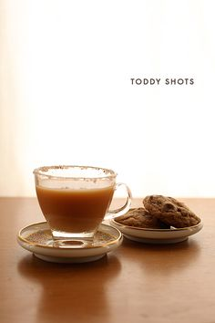 Toddy Shots from Mighty Girl with a chocolate cookie chaser. Warm Cocktails, Holiday Cocktails, Cocktail Desserts, Cocktail Drinks, Chocolate Food, Chocolate Recipes, Tulsi Tea, Strong Drinks, Mighty Girl