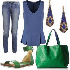 Look semplice e colorato verde e blu. Un jeans a vita normale slim lunghezza standard comodo con scarpe basse come quelle della foto che riprendono il colore della borsa. Linterno della borsa è blu e ricorda i toni della maglia e degli orecchini.
