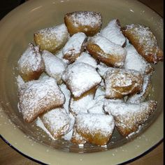 Beignets (strawberry or chocolate filled)