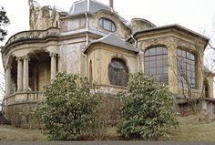 Das wäre absolut mein Traumhaus. Mit ein wenig Liebe und harter Arbeit würde es wieder im alten Glanz erstrahlen