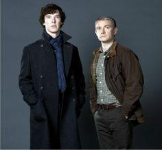 geekcrafts: BBC Sherlock striped keyhole scarf