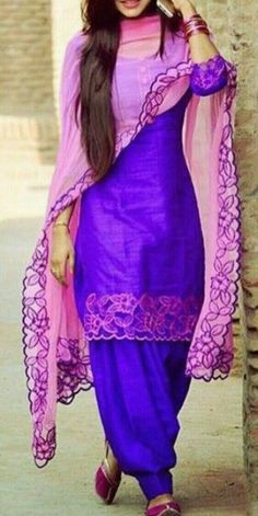 Haute spot for Indian Outfits. Punjabi Dress, Punjabi Suits, Pakistani Dresses, Indian Dresses, Indian Outfits, Punjabi Fashion, India Fashion, Bollywood Fashion, Patiala Salwar