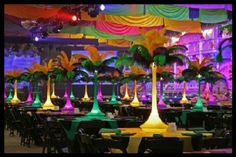 Mardi Gras Party Decorations | Mardi Gras Feather Centerpieces