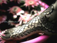 40 Best Mehandi Designs for Legs - Part 1 | Lets Create Crafts