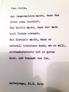 """Sag mir ein Wort und ich schreib dir ein Gedicht.  Felix' Inspirationswort: """"nichtsdestotrotz"""". Diese Karte entstand im Hafenjungen in Wien unter dem Motto """"Happy Typing für Drinks"""". Fotos daher teilweise etwas unscharf … :-)"""