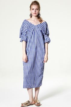 Mira Twisted Gingham Dress Discover the latest fashion trends online at storets.com