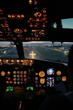 training material for pilots & safety in aviation Airbus A380 Cockpit, Italy In September, Drones, International Civil Aviation Organization, Aviation Quotes, Plane Photos, Airport Design, Aircraft Interiors, Airline Pilot