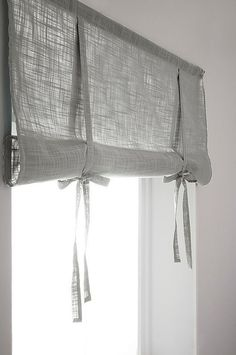 HILDA roll up-gardin - ekologisk Roll Up Curtains, Home Curtains, Rustic Curtains, Curtains Living, Curtains With Blinds, Kitchen Curtains, Bathroom Curtains, Cortinas Country, Rideaux Design