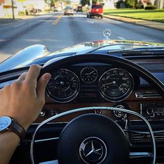 - Mercedes-Benz S-Class - The Best or Nothing.😍 - Beauties I grew up with. Mercedes W114, Mercedes 220, Mercedes Benz Cars, Classic European Cars, Best Classic Cars, Mercedes Interior, Carl Benz, M Benz, Benz S Class
