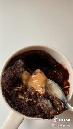 Insane peanut butter lava MUG cake in the microwave via @bakingenvy on TikTok (Instagram @bakingenvy) Mug Dessert Recipes, Mug Recipes, Easy Baking Recipes, Microwave Recipes, Sweet Recipes, Cooking Recipes, Microwave Lava Cake, Starbucks Recipes, Easy Food To Make