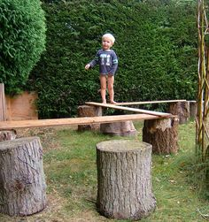 19 DIY backyard play spaces kids will LOVE! 19 DIY backyard play spaces kids will LOVE! Backyard Play Spaces, Outdoor Play Spaces, Backyard Playground, Backyard Games, Playground Ideas, Toddler Playground, Goat Playground, Natural Play Spaces, Backyard Layout