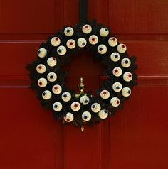 YES. An eyeball wreath. :) Bojo Note: I worked for an optometrist for several years. I find this to have a great deal of eye appeal.