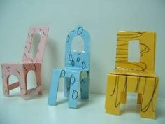 Is your dollhouse in dire need of some funk, some kitcsh, a modern twist to those boring wooden chairs you find at hobby stores? Here is your solution. Make your own furniture from paper. Join me in the fun and create your own collection of paper chairs. Cardboard Chair, Cardboard Dollhouse, Cardboard Furniture, Paper Crafts For Kids, Diy Paper, Diy For Kids, Paper Doll House, Paper Dolls, Paper Houses