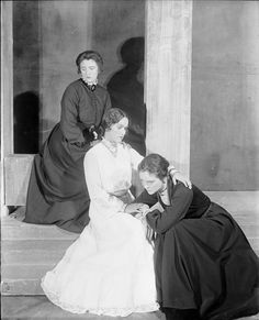 Beatrice Terry, Rose Hobart, and Eva Le Gallienne in The Three Sisters, 1926.