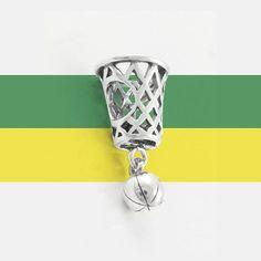 Para as apaixonadas por esporte, um berloque para a ocasião. 🔎 cód: 618101