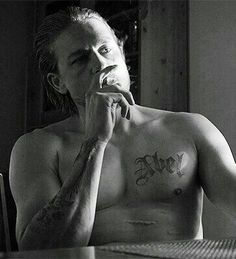 Jax Teller - Sons of Anarchy Charlie Sons Of Anarchy, Sons Of Anarchy Samcro, Charlie Hunnam Soa, Jax Teller, Andrew Lincoln, Baby Daddy, Photos Du, Best Shows Ever, Hollywood Stars