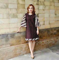 33 New Ideas For Dress Hijab Kombinasi Model Dress Batik, Batik Dress, Simple Dresses, Nice Dresses, Casual Dresses, Blouse Batik Modern, Dress Batik Kombinasi, African Fashion Dresses, Fashion Outfits