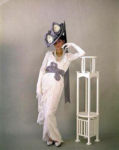 Cecil Beaton photo