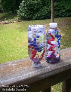 Capture fireworks in a bottle - DIY Fourth of July Crafts to Make with Your Kids - Photos Preschool Crafts, Fun Crafts, Arts And Crafts, Preschool Ideas, Craft Ideas, Preschool Science, Creative Crafts, Daycare Crafts, Toddler Crafts