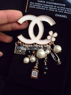 Imitat chanel des 100. Jubiläumsausgabe Goldbrosche kaufen #100AnniversaryEditioncoco #Cocochanel  #Fashion