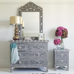 Inlay Chest of Drawers