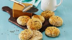 glutenfrie karveboller Cereal, Muffin, Breakfast, Food, Morning Coffee, Muffins, Cupcake, Meals, Corn Flakes